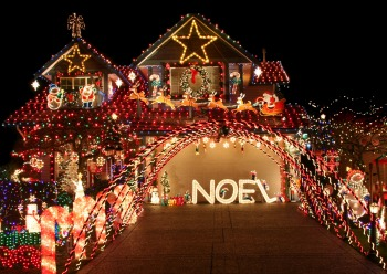 Outdoor Christmas Light Show For Family In Asheville NC 2014