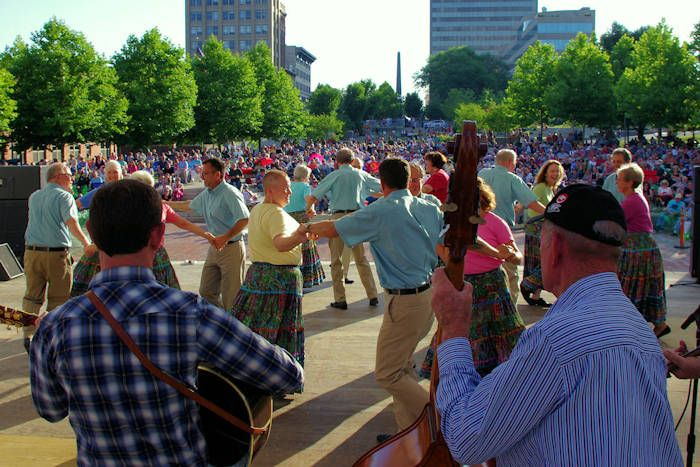 Top 10 interesting august events in fabulous asheville for Lake lure arts crafts festival